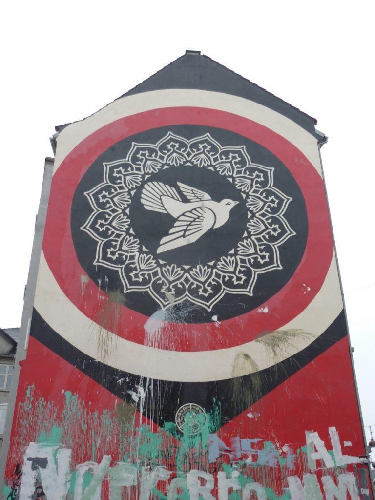 OBEY (SHEPARD FAIREY) - PEACE DOVE WALL en réponse aux émeutes de 2007