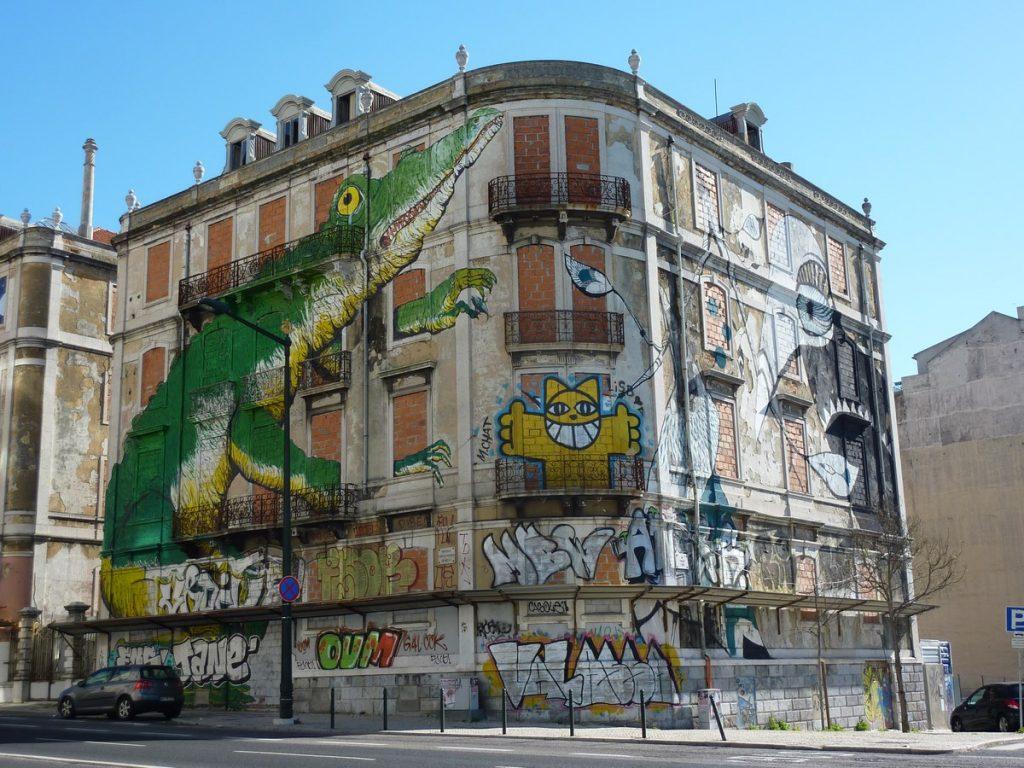 LUCY MCLAUCHLAN + M. CHAT + ERICAILCANE - Avenida Fontes Pereira de Melo / rua Martins Ferrao