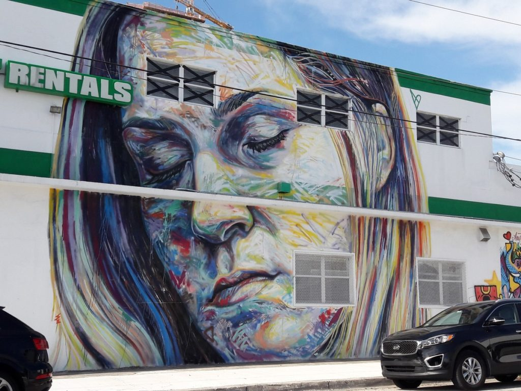 DAVID WALKER - Miami - NE 27 st entre NE 2nd av & N Miami av
