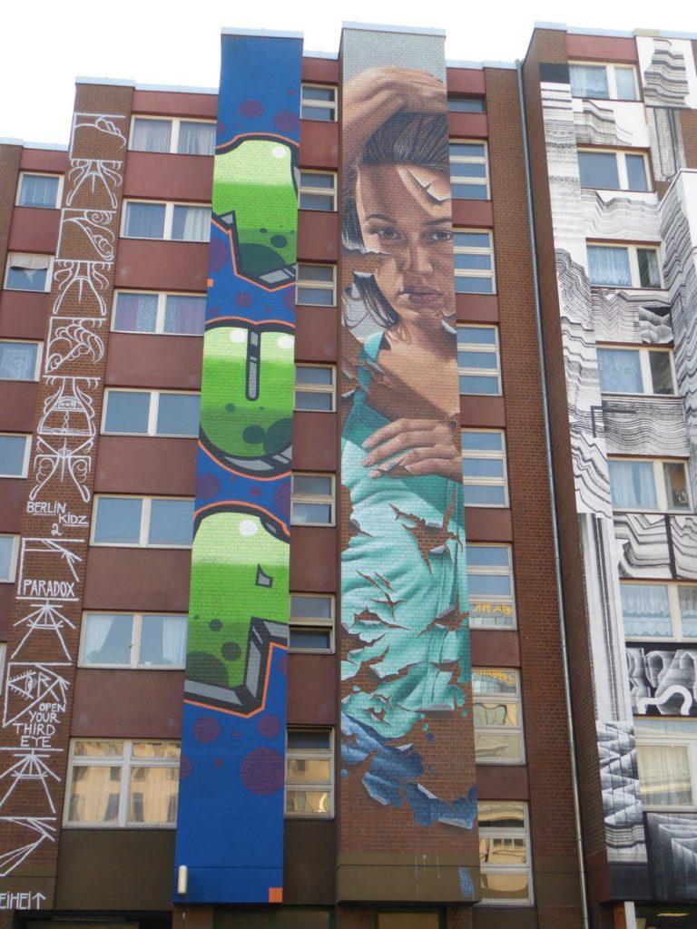 JAMES BULLOUGH - Berlin - Bülowstraße 31 ( face U-bahn Bullowstraße)