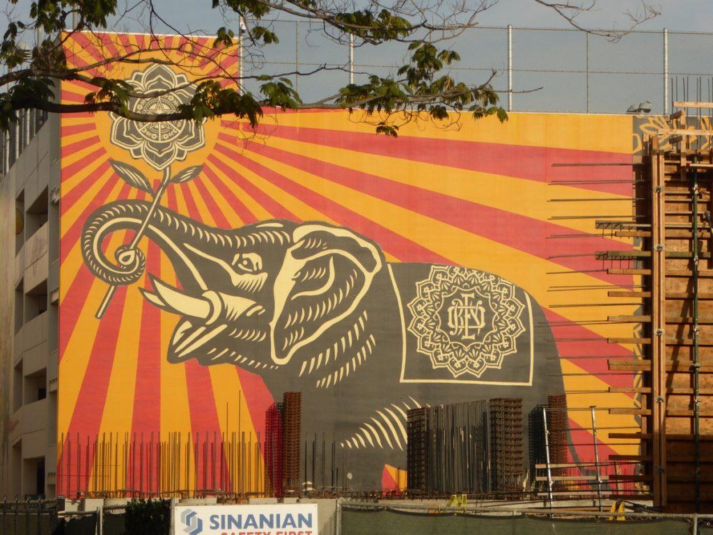 SHEPARD FAIREY - Los Angeles - 625 N San Vicente bd (derrière bâtiment)